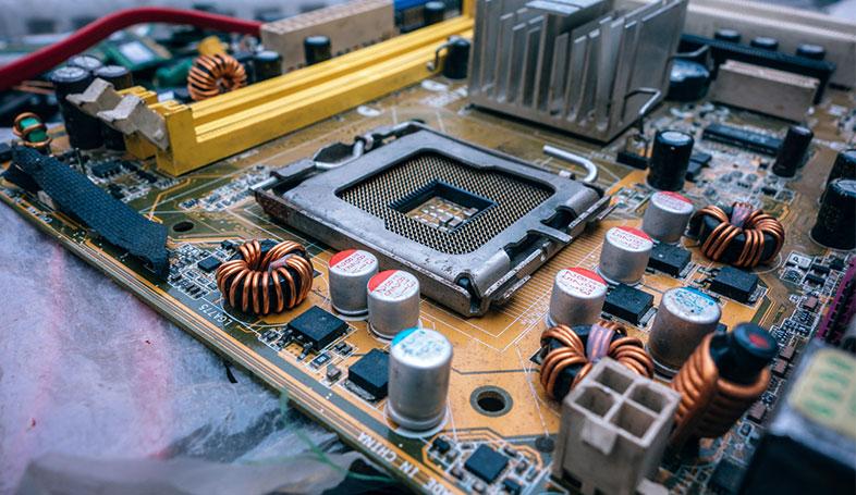 Bild posten 4 IT Jobs die in kompetitiven Firmen verfügbar sind Hardware Techniker - 4 IT-Jobs, die in kompetitiven Firmen verfügbar sind