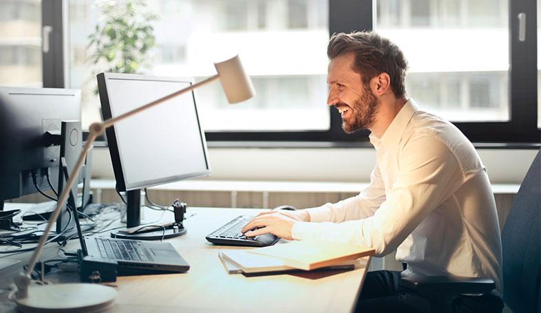 Bild posten 4 IT Jobs die in kompetitiven Firmen verfügbar sind IT Analytiker und Support - 4 IT-Jobs, die in kompetitiven Firmen verfügbar sind