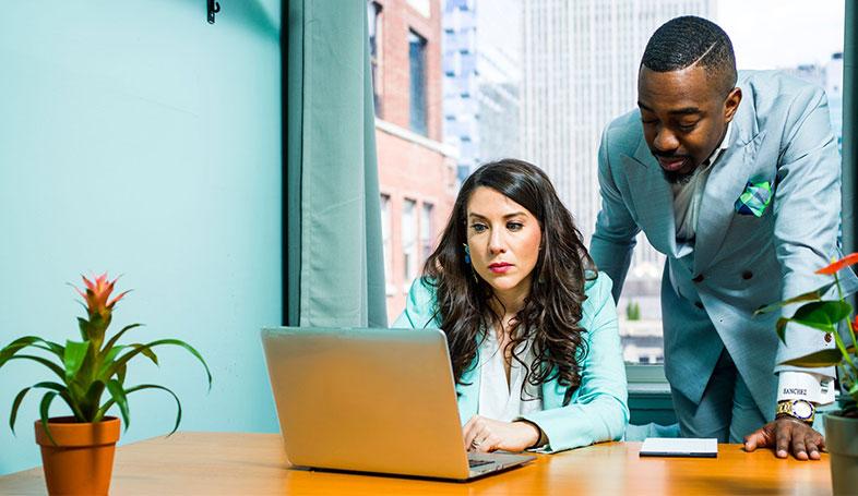 Bild posten 4 IT Jobs die in kompetitiven Firmen verfügbar sind IT Projektmanager - 4 IT-Jobs, die in kompetitiven Firmen verfügbar sind