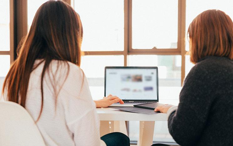 Bild posten 4 Möglichkeiten die neuesten IT Nachrichten zu erfahren IT Websites - 4 Möglichkeiten, die neuesten IT-Nachrichten zu erfahren