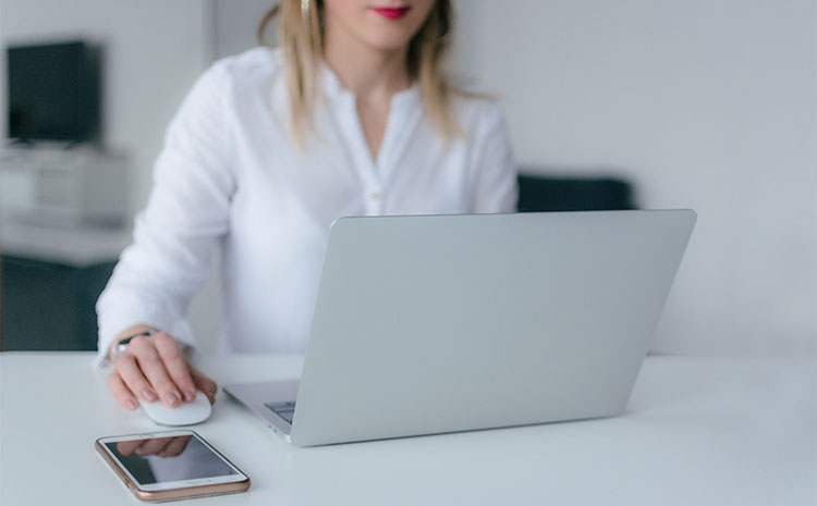 Bild posten Ausgewähltes Bild Die 9 beliebtesten IT Jobs die Sie kennen sollten Webentwickler - Die 9 beliebtesten IT-Jobs, die Sie kennen sollten