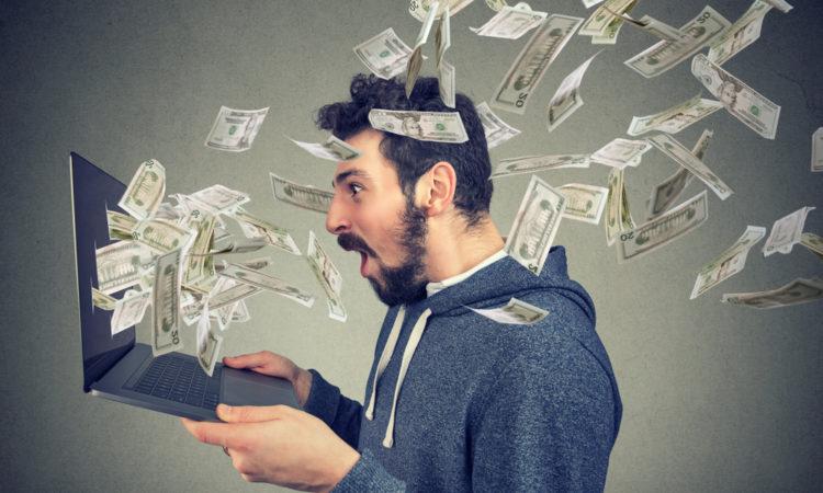 shutterstock 1023417139 750x450 - Möglichkeiten wie du online Geld verdienen kannst